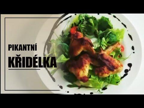 Salát s pikantními křidélky