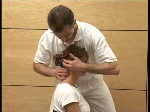 Wie eine Hernie der Halswirbelsäule behandeln
