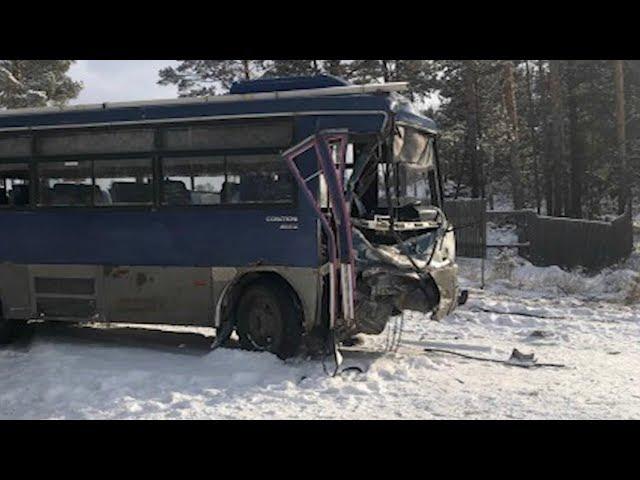 Ангарский автобус столкнулся с КАМАЗом