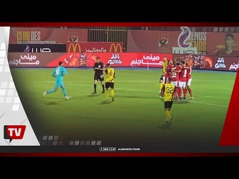 على لطفي يترك المرمى ويذهب للاحتفال مع محمود وحيد عقبه هدفه بمرمى دجلة