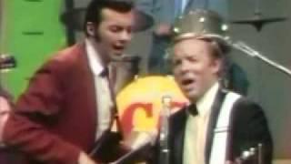 Charlie Louvin & Dennis Digby - Let's Put Our World Back Together