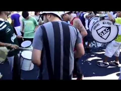 """""""Indios kilmes kamiQACes a todo ritmo"""" Barra: Indios Kilmes • Club: Quilmes"""