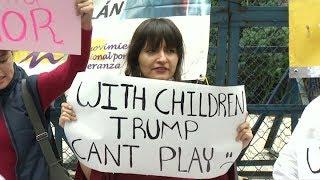 Protesta frente a la embajada de los EE.UU. en México por la política anti inmigrantes de Trump