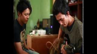 Download lagu Ariel Feat Budi Doremi Sahabat Mp3