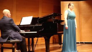 Klassiche Sopran Sängerin video preview