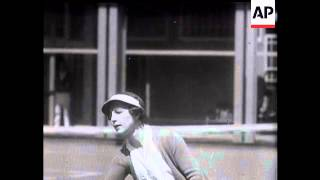 Helen Wills Gets Ready To Achieve Tennis Come Back