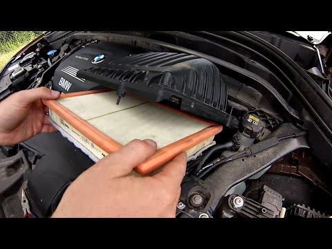 Das Benzin aus dem Dämpfer dwuchtaktnogo des Motors