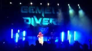 Gemelli DiVersi   Un Attimo Ancora LIVE @ Zafferana Etnea 16 08 2013