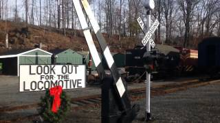 preview picture of video '2013 Santa Special at the Whippany Railroad Museum'