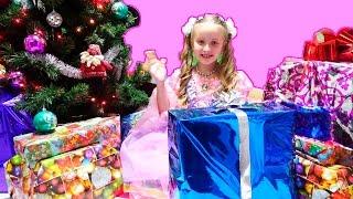 Распаковка подарков на Новый Год. Christmas Morning Opening Presents
