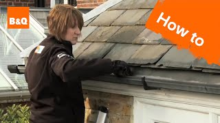 How to clear out gutters