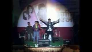Dhpadi dhipang(Rani Mazhya Malya Mandi) live by Avdhoot Gupte & Priya Vaidya