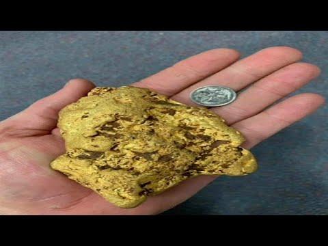 العرب اليوم - مستكشف يعثر على قطعة من الذهب تزن 1.4 كلغ في حقول أستراليا