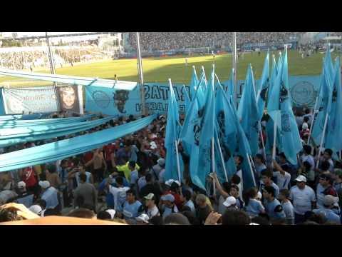 """""""entran los piratas contra all boys"""" Barra: Los Piratas Celestes de Alberdi • Club: Belgrano"""