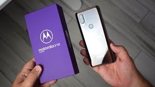 Motorola One Vision, video recensione