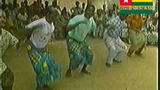 TOGO 02 La danse traditionnelle des Ewés