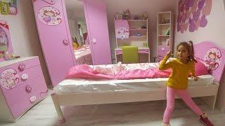 Elife odası için oda takımı alışverişindeyiz, eğlenceli çocuk videosu