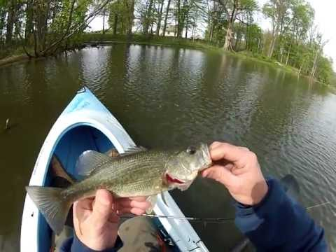 GoPro Kayak Pond Fishing, Largemouth Bass, rough hooking