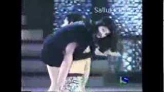 Girl Tight Skirt Ass Ots Carry By Salman Khan