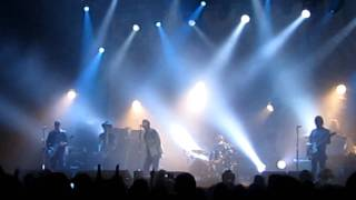 Beady Eye - Standing on the Edge of the Noise (Live in Abu Dhabi)