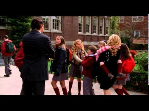 Video trailer för Raising Helen - Trailer