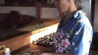 preview picture of video 'Avocado & Honey Homemade Facial Mask'