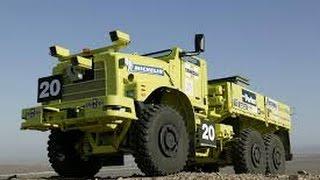 Смотреть онлайн Сверхсильные грузовики c прицепом
