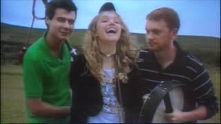 Extrait (VO): Cassie's dance on the video