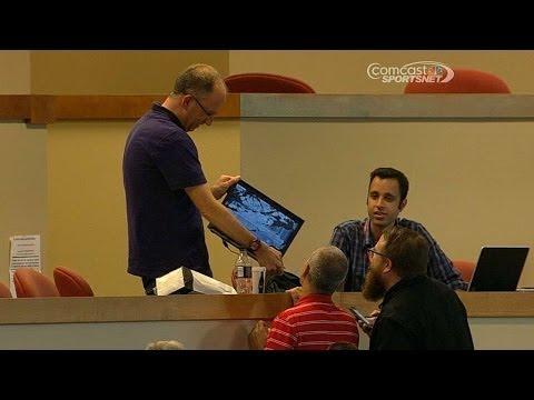 Panda's foul breaks MLB.com reporter's laptop