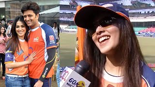 Genelia Cheering For Her Love Riteish Deshmukh's Veer Marathi against her Ex Team Mumbai Heroes