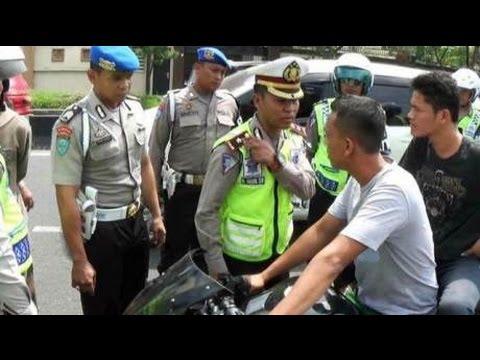 Polisi Ditilang Warga Karena Knalpot Racing