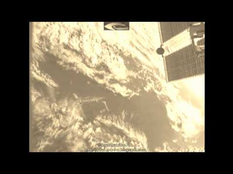 """Giant Aliens """"Worms – UFOs"""" in the Earth's atmosphere – Shooting with the ISS January 13, 2013"""