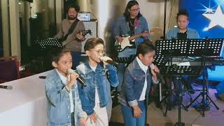TNT Boys sings