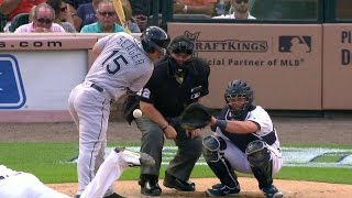 SEA@DET: Umpire takes a fastball right on the knee