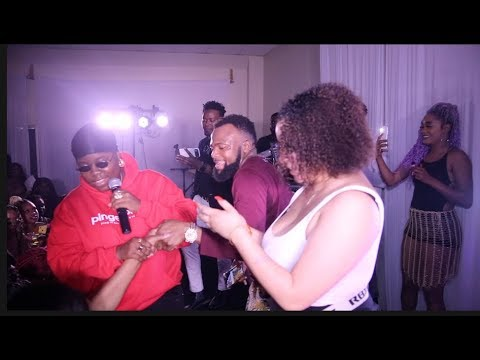 TENI  Hooking up couple during Concert