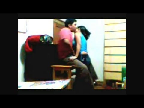 hot kissing video by cute couples