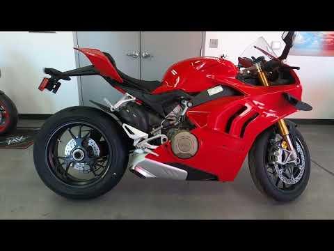 2021 Ducati Panigale V4 S in West Allis, Wisconsin - Video 1