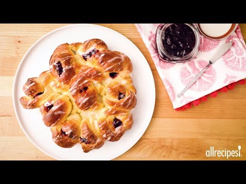 Brunch Recipes – How to Make Pull-Apart Easter Blossom Bread