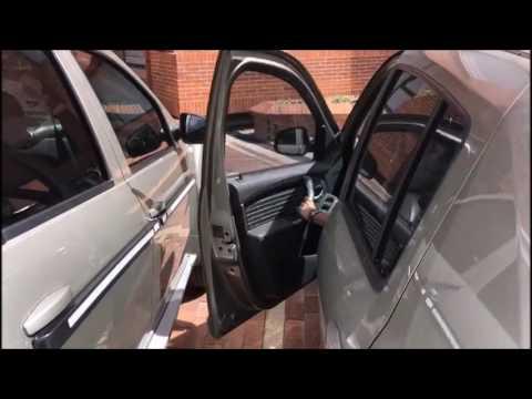 Protector para las puertas de los vehículos