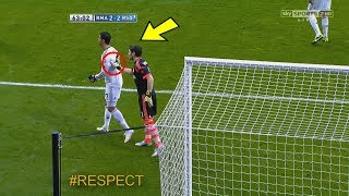 Look What Happened When Cristiano Ronaldo Offers Iker Casillas The Captain's Armband !
