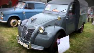 preview picture of video 'Crash Box and Classic Car Show   Powderham Castle 2014 0001'