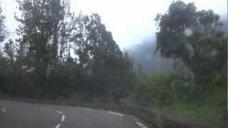 preview picture of video 'Ile de La Réunion Route du Cirque de Cilaos -deuxième partie- du Pavillon à Peter Both'