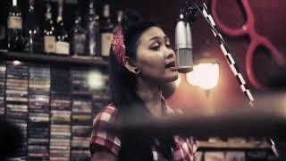 Gambar cover Superiots feat Rara   Aku Yang Malang 4 Official Video 2018