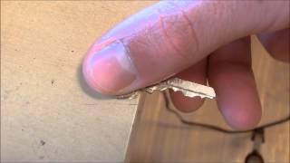 Cómo hacer una llave de percusión (ganzúa) y abrir una cerradura con ella - Chindas12