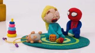 Эльза и Человек Паук, дерутся за печеньку ОРЕО   мультфильм из пластилина