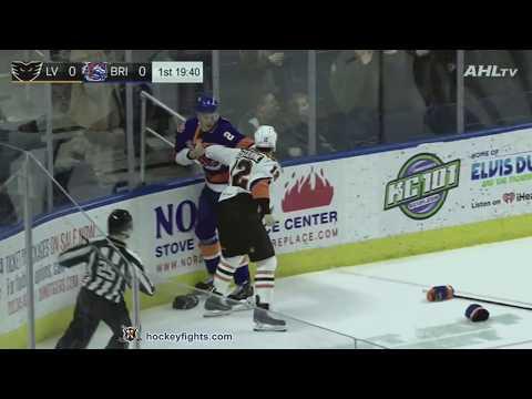 Seth Helgeson vs. Tyrell Goulbourne