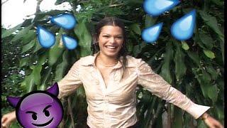 Mariangel Ruiz se echa una refrescadita! - Que Locura