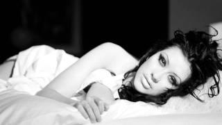 Christina Aguilera - Cruz - Stripped