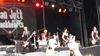 Joan Jett and the Blackhearts - Love is pain LIVE