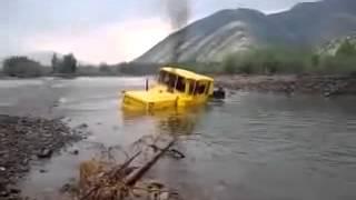 Кировец перезжает реку вброд Смотреть до конца.webm